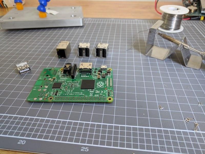 PS2 Raspberry Pi 2 DIY